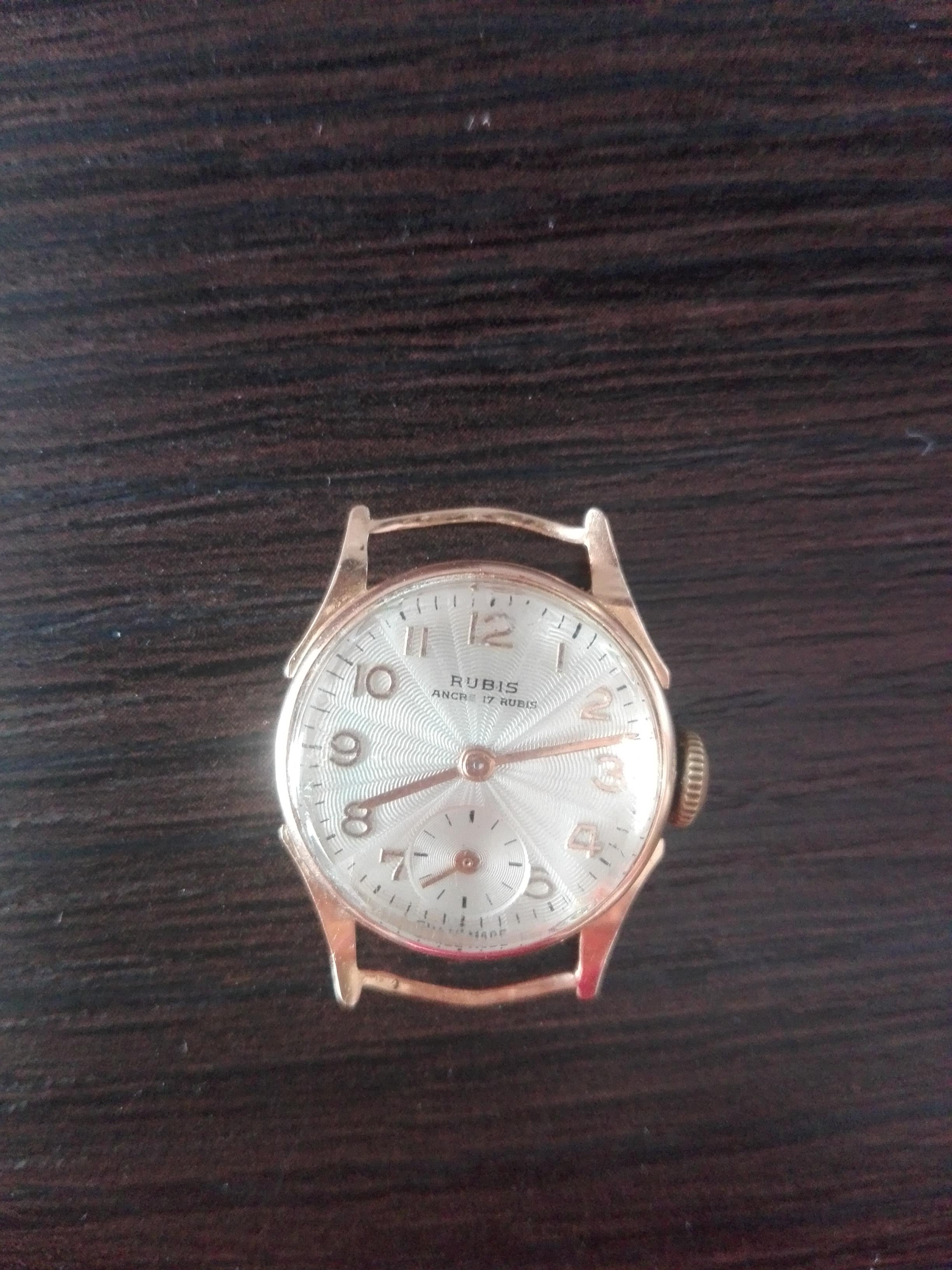 d92889f11f1788 Nigdzie w necie nie znalazłam tej firmy. Zegarek jest złoty, ma ponad 40  lat. Jest to pamiątka po mojej babci. Dodam, że zegarek jest w pelni  sprawny.
