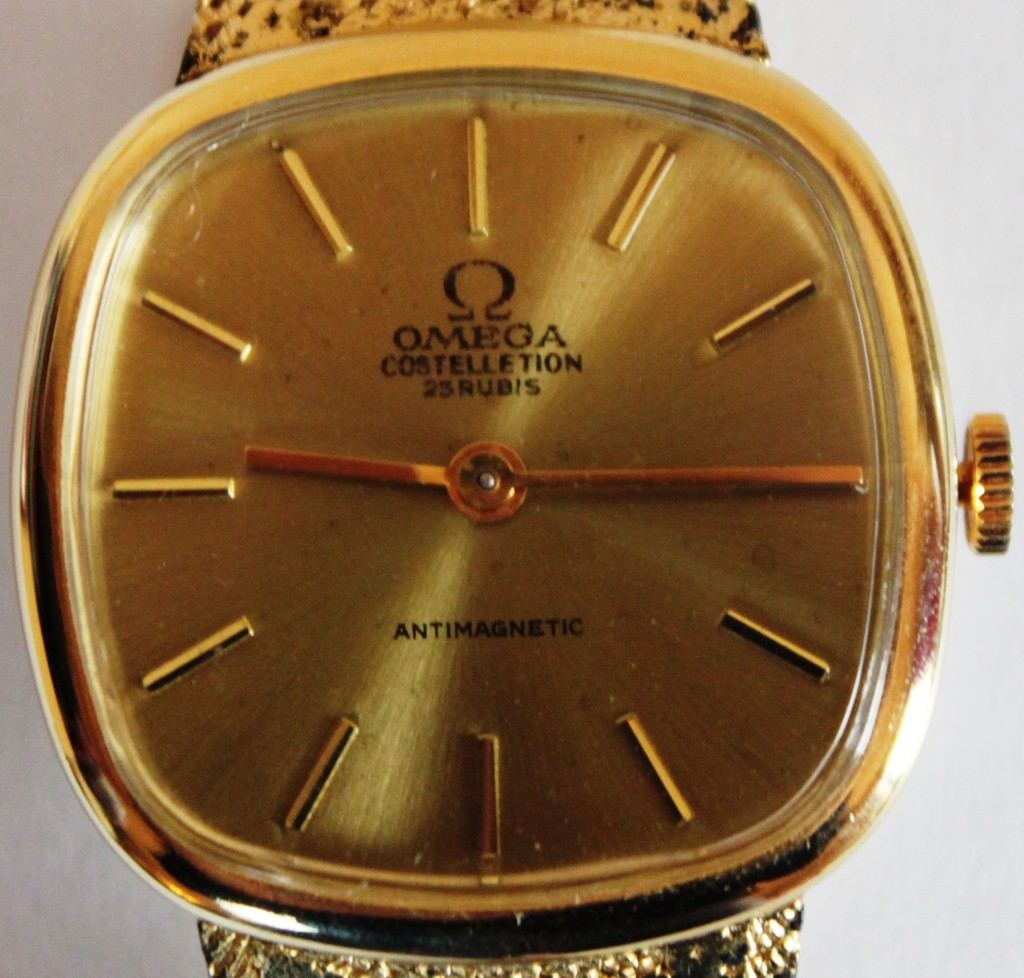 Fake Vintage Omega Constellation 1