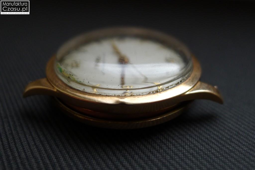 Renowacja zegarka - DOXA przed 3