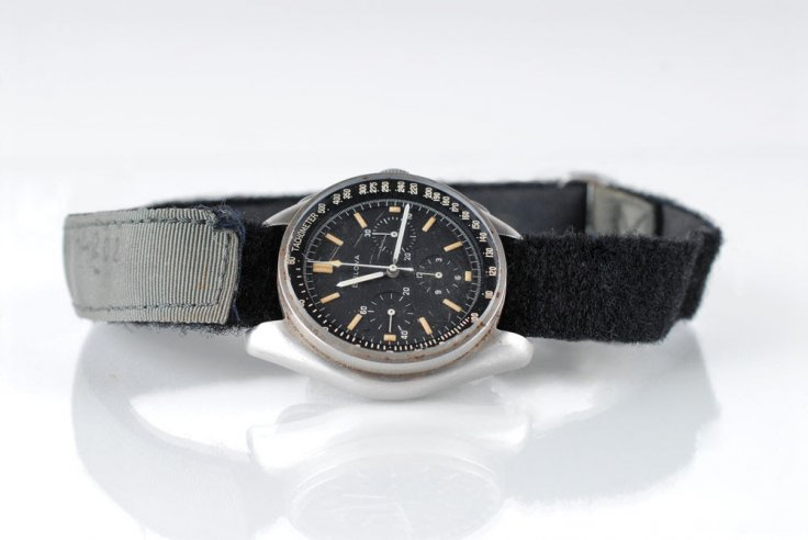 bulova-moon-watch-apollo_15_4