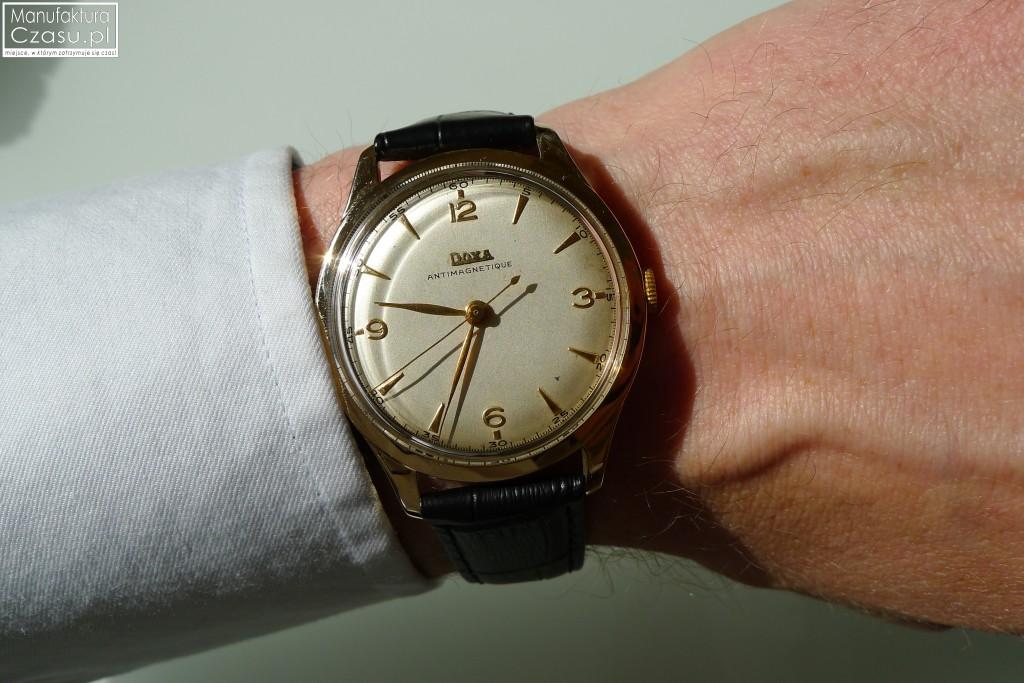 Renowacja zegarka - DOXA po 14