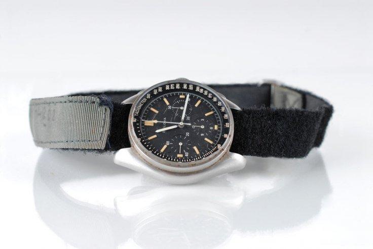 bulova-moon-watch-apollo_15_4